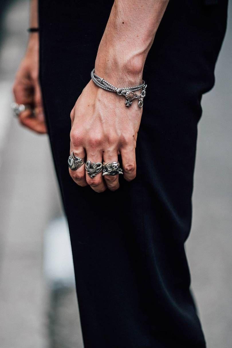 Bijuteriile pentru barbati – ce alegi si cum le porti