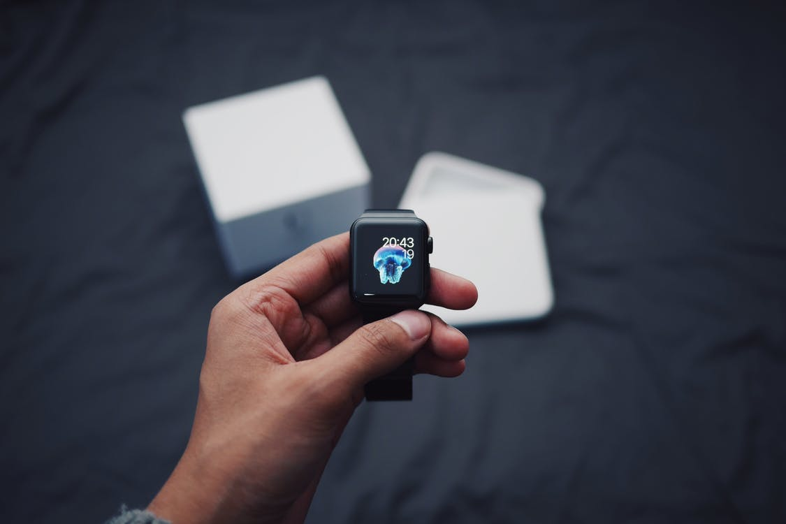 Cum sa folosesti un smartwatch ca sa iti simplifici viata